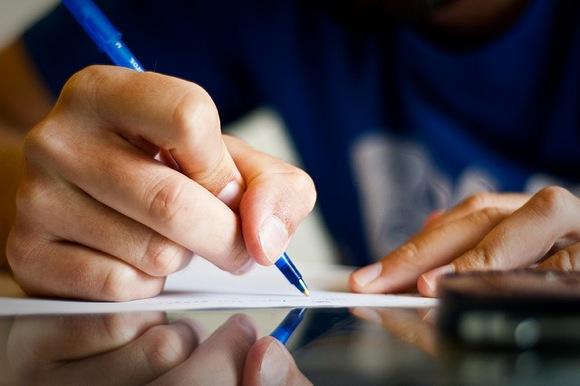 feuille-stylo-exam